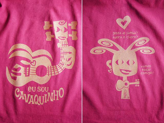 EU SOU CAVAQUINHO(わたしはカヴァキーニョ)Tシャツ-hinolismo迷えるチェリーレッド