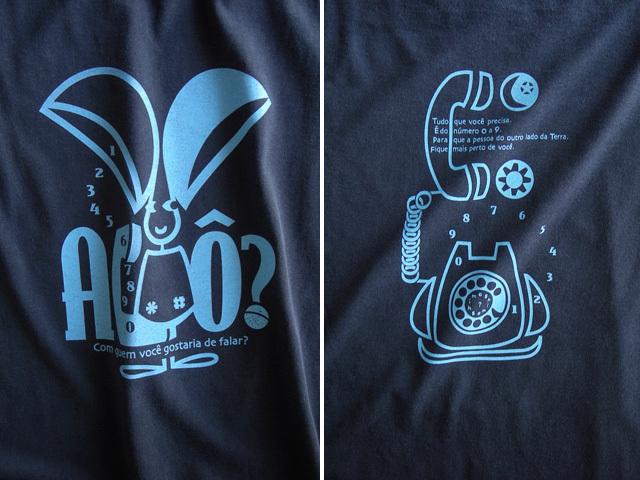 Orelhao(オレリャォン)と黒電話Tシャツ-hinolismo-迷えるネイビー